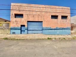 Título do anúncio: Barracão, 375 m² - venda por R$ 1.400.000,00 ou aluguel por R$ 3.300,00/mês - Parque São J