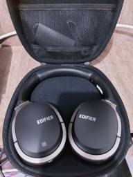 Headphone Edifier top