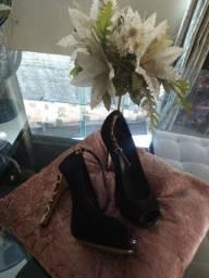 3 pares de sapatos