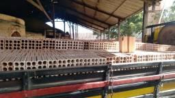 Vendo tijolos grandes e resistentes de 24cm