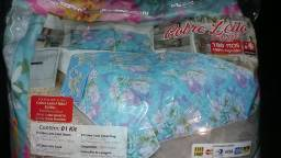 Kit Cobre Leito Queem 180 Fios com 2 Travesseiros e 2 Capas 70 cm por 50 cm