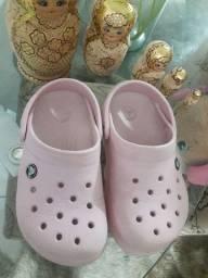 Crocs J2 -Equivale ao número 33 R$ 50,00