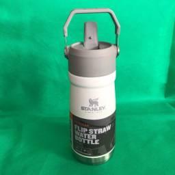 Garrafa térmica Stanley Flip straw water bottle