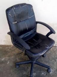 Cadeira pra escritório 120 Reais leia a descrição do anúncio