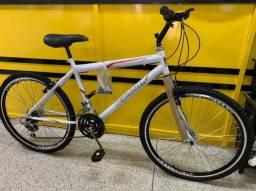 Bicicleta Branca aro 26 quadro 17,5 com marcha ciclo cairu