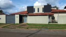 Casa na 108 sul em 2 lotes completa com área de lazer