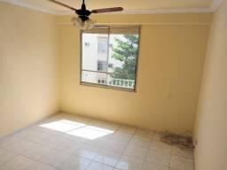 Apartamento em Irajá, 2 quartos, condomínio