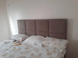 Cabeçeira de cama de casal em bom estado