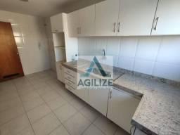 Apartamento com 3 dormitórios para alugar, 92 m² por R$ 1.500/mês - Glória - Macaé/RJ