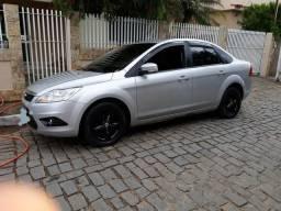 Focus Sedan 1.6 completo - 2011