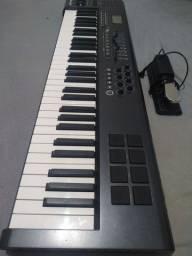 Teclado Controlador M - Áudio Axiom 61