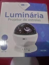 Luminária projetor de estrelas.