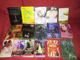 Livros de Romances, fantasia, livros de bolso