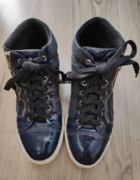 tênis azul estilo botinha com feixe funcional adhere 36