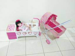 Bebê reborn com berço e carrinho