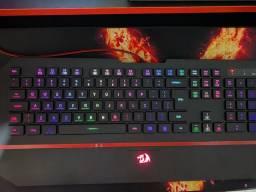 Teclado gamer redragon RGB