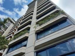 Excelente apartamento no coração do Lourdes com vista panorâmica e enfrente ao Mina Tênis