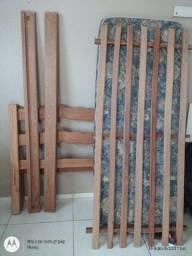 Cama de madeira colonial / solteiro