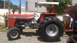 Trator  Implementos agrícolas
