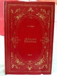 """Livro """"Almas Mortas"""" de Nicolai Gógol"""