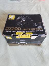 Camera fografica semi profissiinal Nikon
