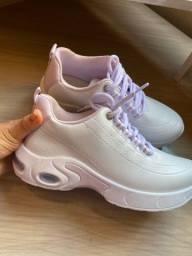 tênis branco pelica