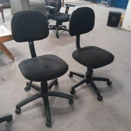 Cadeiras Giratorias de Rodinha com pistão a Gaz de 149,99 por apenas 99,99 cada