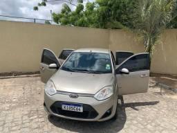 Vendo Ford Fiesta Sedã 1.6