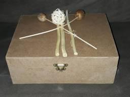 Kit com 12 ventosas e caixa.