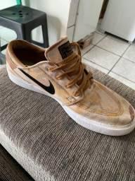 Título do anúncio: Tênis Nike Janoski tamanho 40 , 110 reais