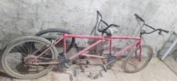 Título do anúncio: Bicicleta de duas pessoas
