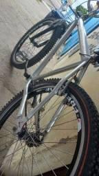 Bicicleta de quadro de alumínio