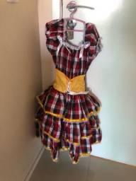 Vestido quadrilha tamanho 6  anos