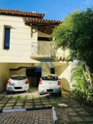 Casa com 4/4  sendo 2 suítes em condomínio/ Bairro Capuchinhos
