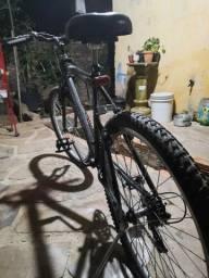 Vendo bicicleta usada mais esta em bons estado