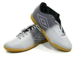 3b7503b593 Chuteira Umbro Vibe Futsal pto cza tam  37-42