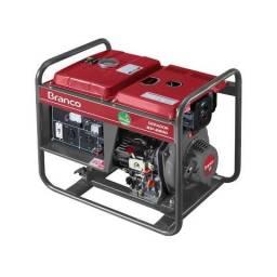 Gerador de Energia Branco BD2500 a Diesel 2,2 KVA de Potência (Preço Imbatível)