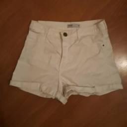 3 shorts e 1 saia por R$ 80,00