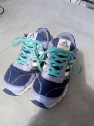 Tênis Adidas original tamanho 30