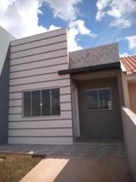Lindas residências c/ 03 quartos, ótimo acabamento e churrasqueira em Uvaranas !!