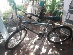 Vendo bicicleta cromada aro 24