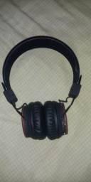 Vendo fone de ouvido. pega Bluetooth e cartaõ de memoria