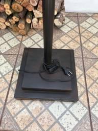 Luminária chão - poste rústico