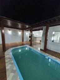 Casa 03 quartos com Piscina e Edicula em Condomínio
