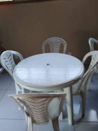 Conjunto 01 mesa plástico + 6 cadeiras plastico