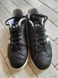 Título do anúncio: Tênis adidas original