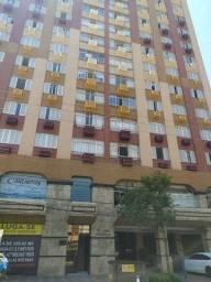 Apartamento grande com ótima localização