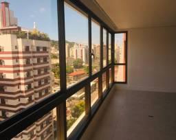 Apartamento novo no Centro com 4 suítes, 3 vagas, HB e 180m² interno, andar alto e ensolar