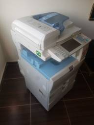 Impressora top a laser  Ricoh MP c2050 bem novinha, com 1 toner novo, preto, reserva.