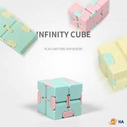 Cubo infinito  - Brinquedo anti stress e intelectual